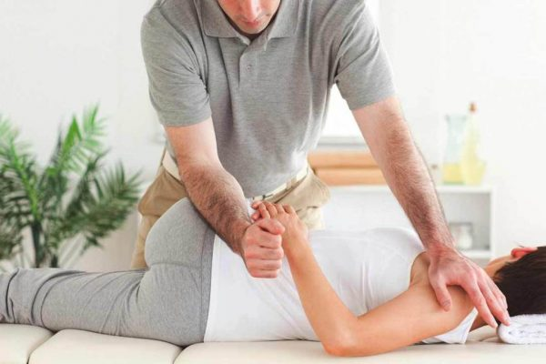 What are the essential tips for choosing the perfect chiropractor?