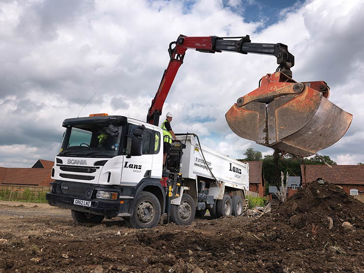 Find A Quick Strategy to Muck Away Lorry